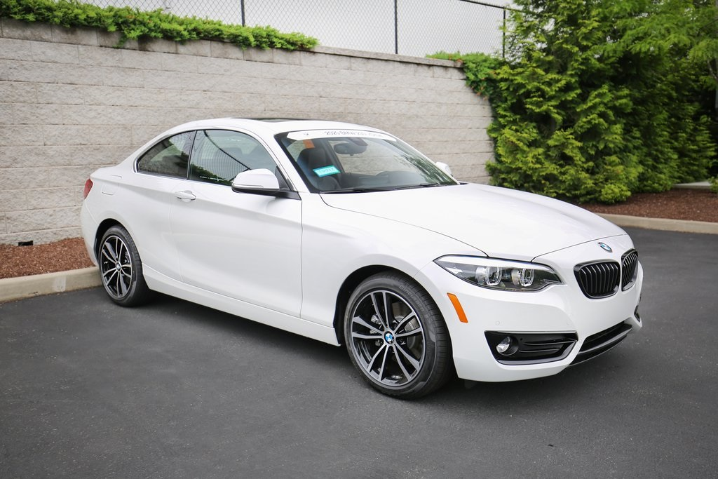 <center><b>New 2020 BMW 230i xDrive</b></center>