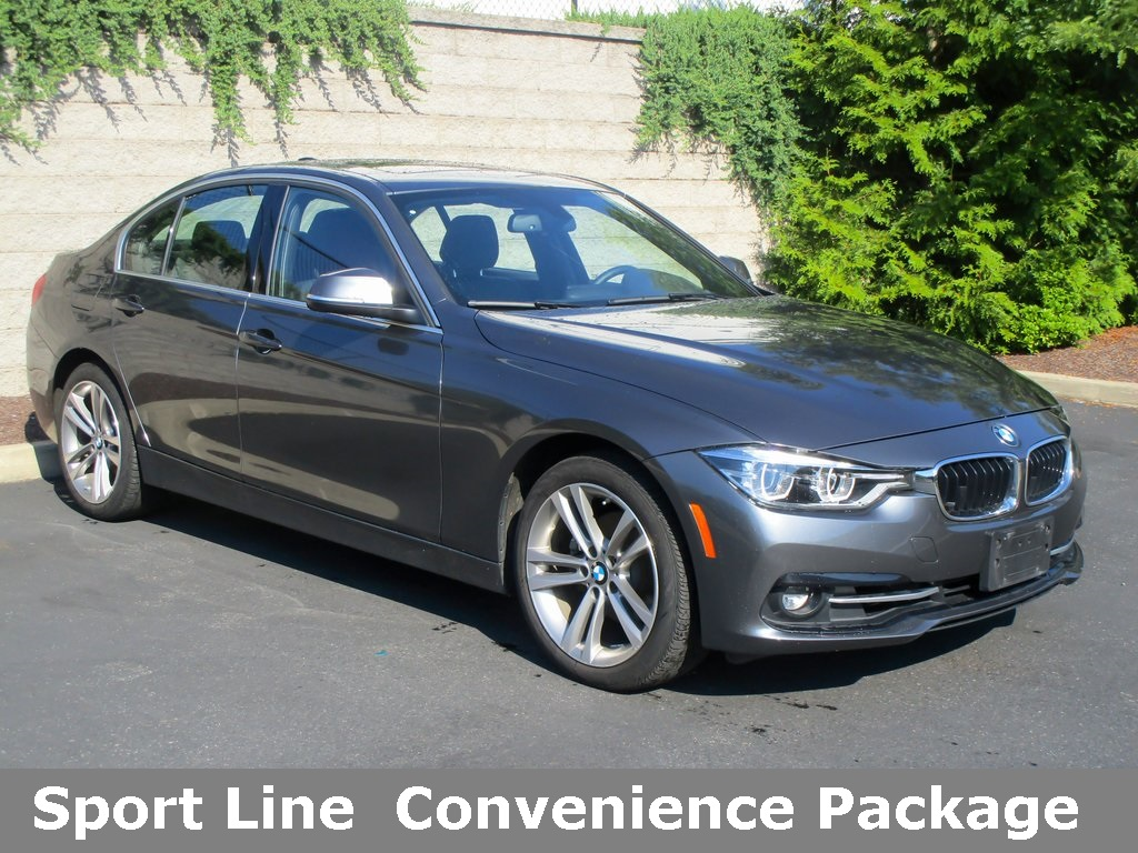 <center><b>Pre-Owned 2018 BMW 3 Series 330i xDrive Sedan</b></center>